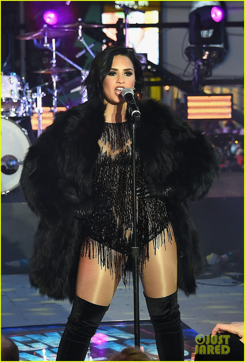wilmer valderrama supports demi lovato on new years eve 22