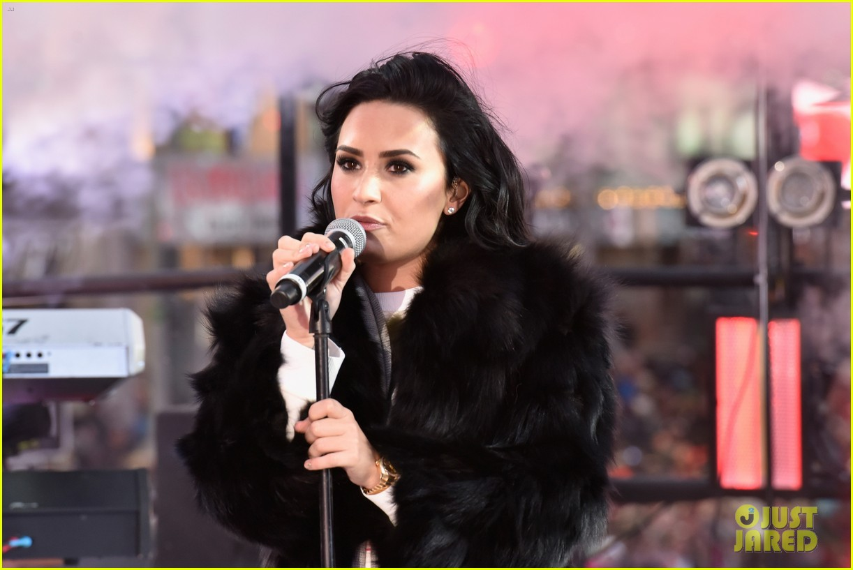 wilmer valderrama supports demi lovato on new years eve 25