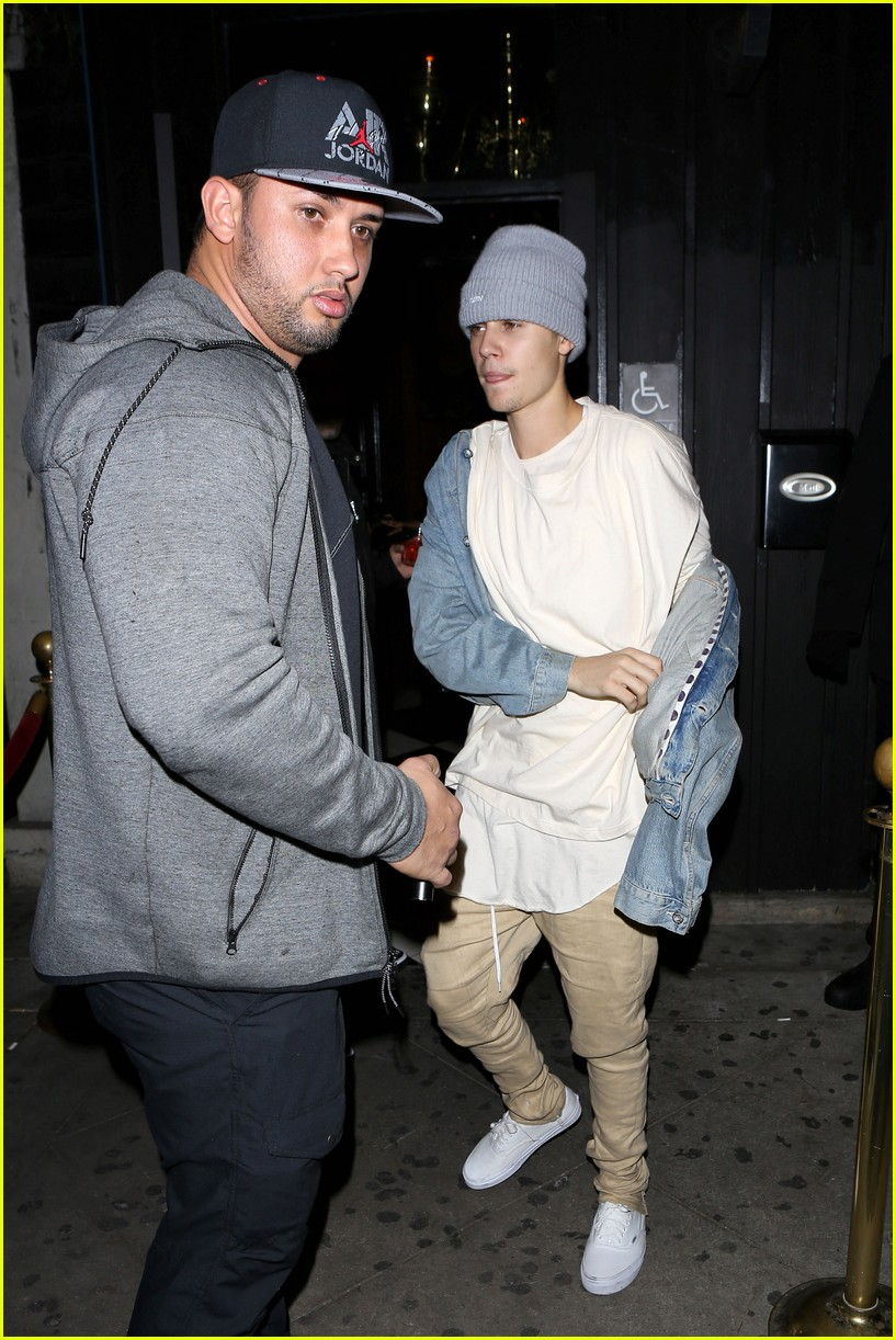 justin bieber leaves hooray henrys 04