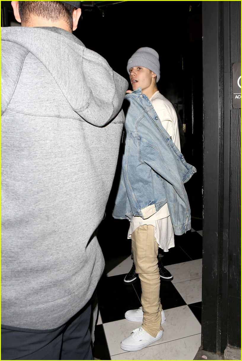 justin bieber leaves hooray henrys 09