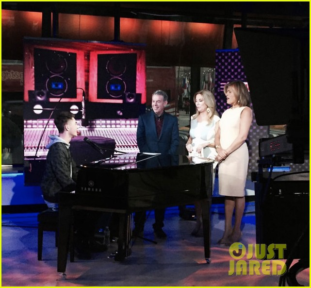 greyson chance today show performance 01