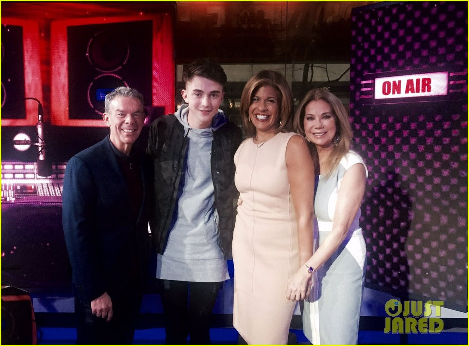 greyson chance today show performance02