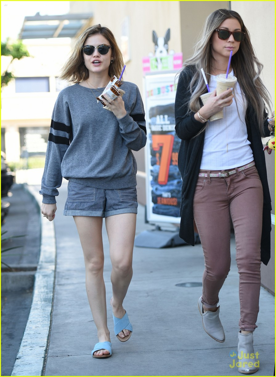 Lucy Hale Wouldn T Go Back To Long Hair At All Photo 934237 Lucy Hale Pictures Just Jared Jr