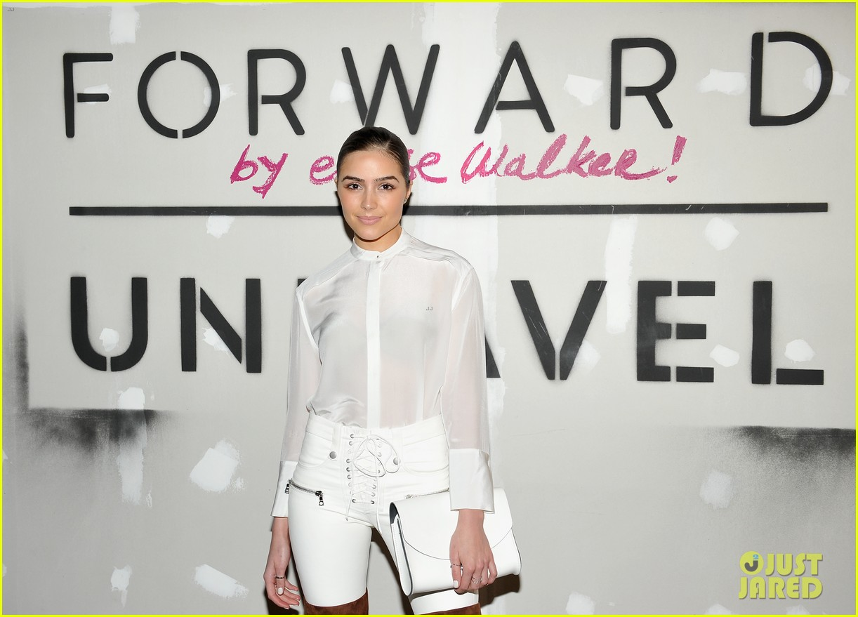 kylie jenner khloe kardashian forward elyse walker event 27