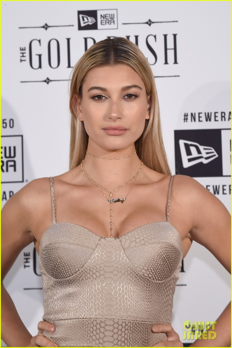 hailey baldwin jamie chung chanel iman new ear leather laces sb parties 13