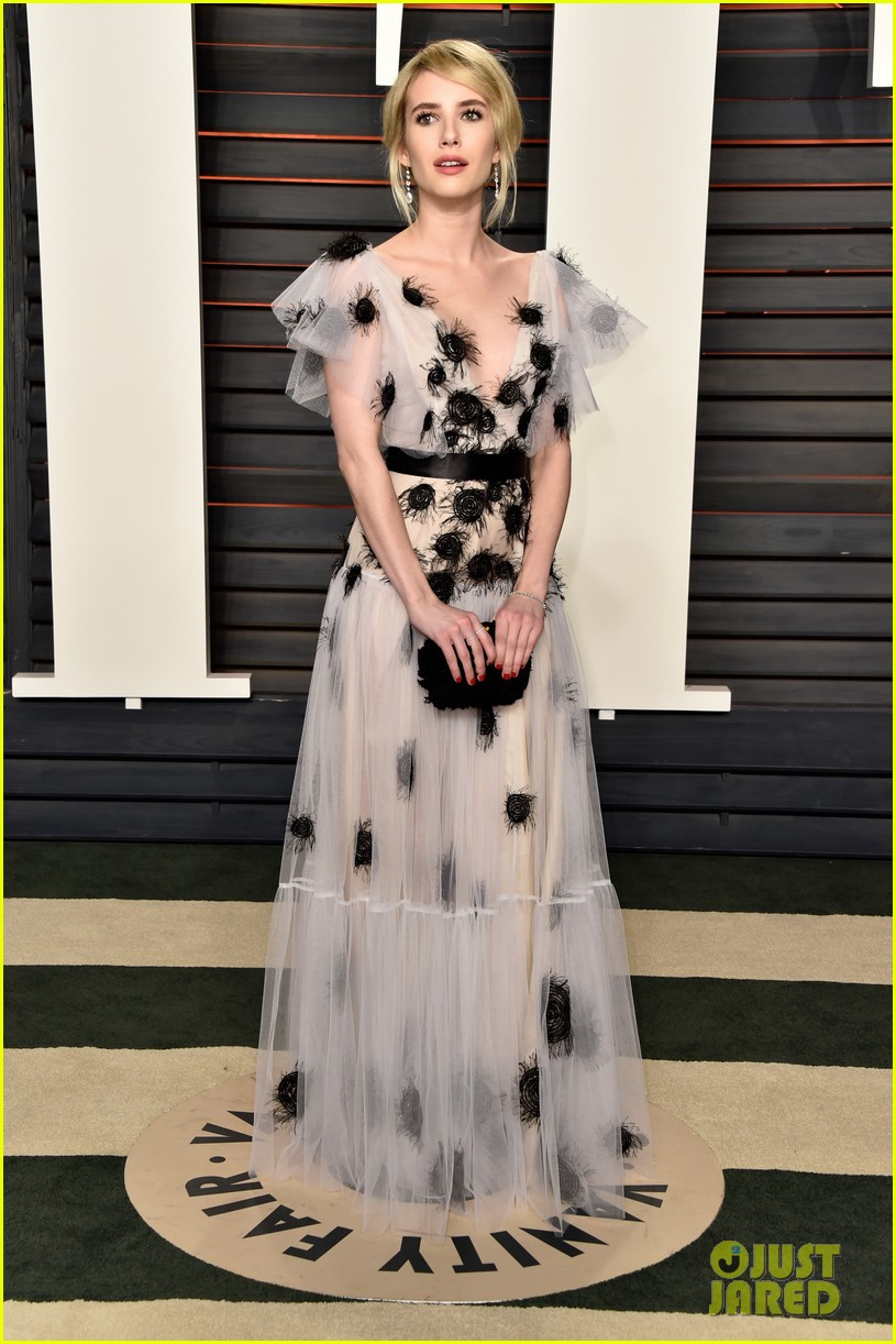Emma Roberts & Zoey Deutch Have a Night Out at Vanity Fair\'s Oscars ...