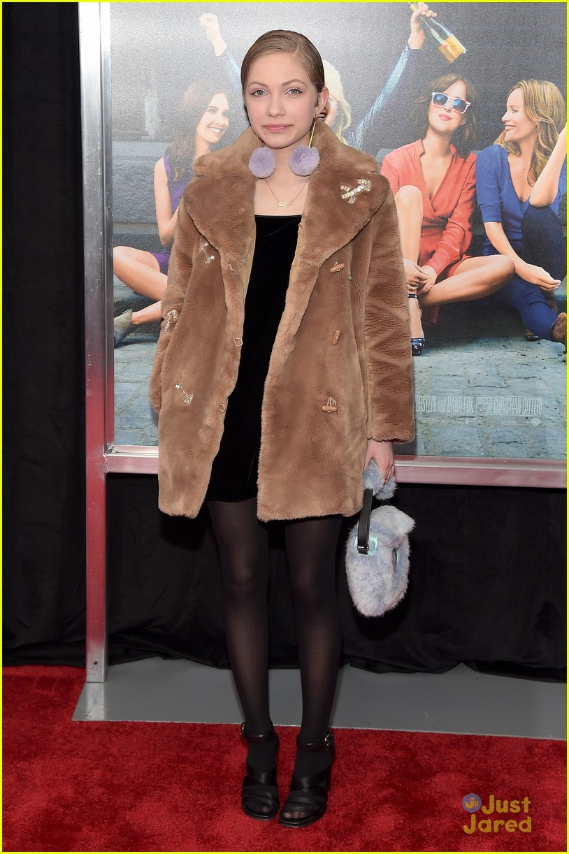 Tavi gevinson sarah ramos know how to be single in nyc photo tavi gevinson sarah ramos how be single nyc premiere 08 ccuart Image collections