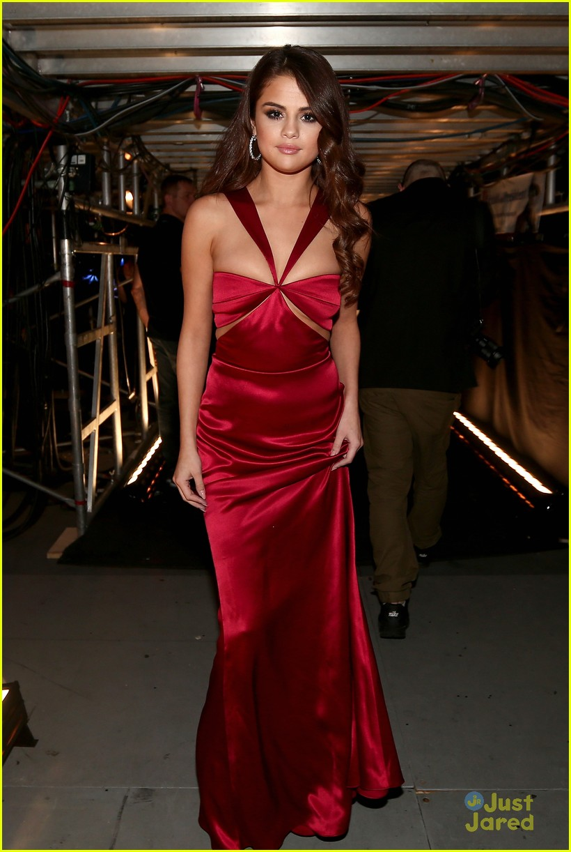 Selena Gomez Red Dress 2016 Grammys 01