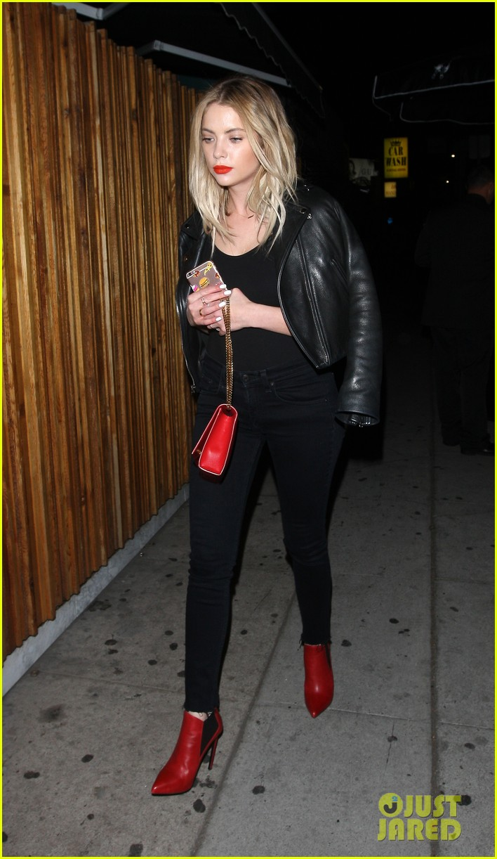 ashley benson nice guy night out friends 02