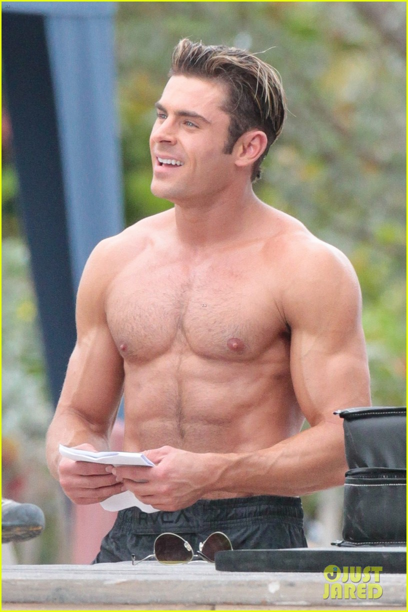 Zac Efron Is The Hottest Shirtless Lifeguard for 'Baywatch ...