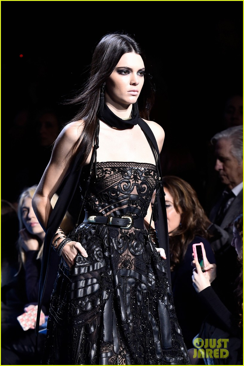 kendall jenner walks runway for elie saab pfw show 02