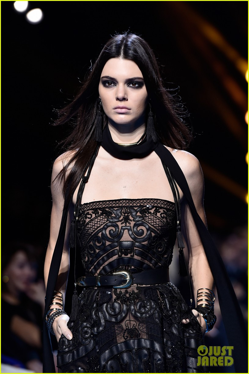 kendall jenner walks runway for elie saab pfw show 24