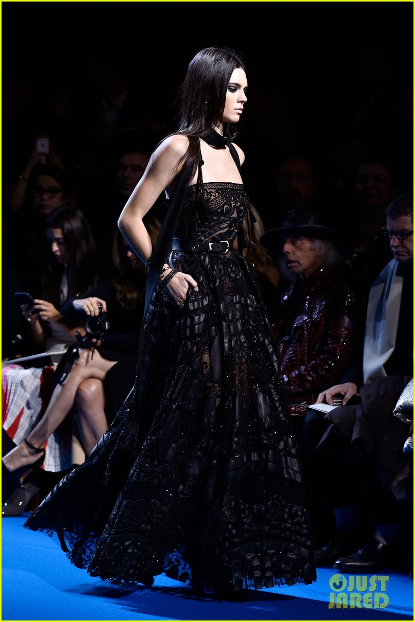 kendall jenner walks runway for elie saab pfw show 25