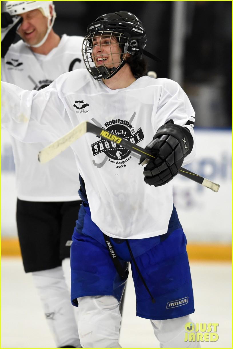 r5 ice hockey david lorenzo henrie charity 03