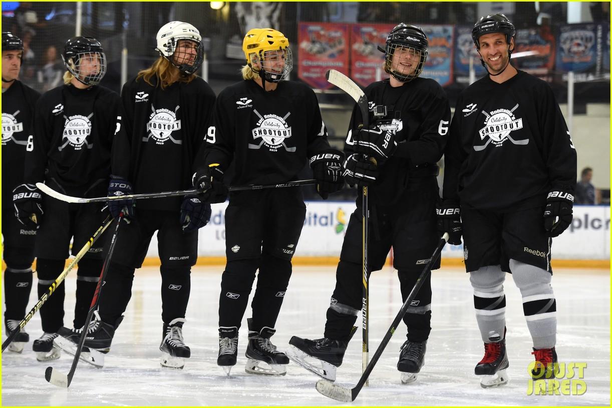 r5 ice hockey david lorenzo henrie charity 11