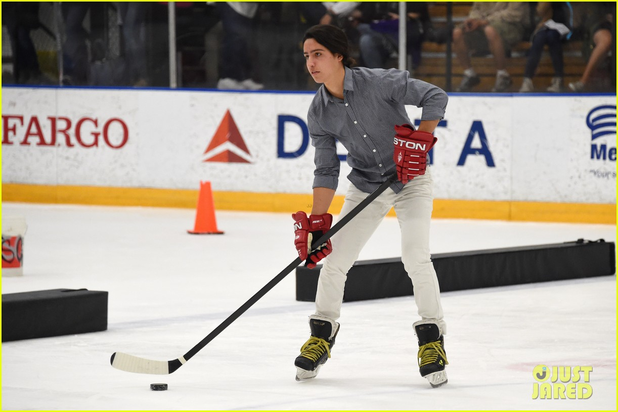 r5 ice hockey david lorenzo henrie charity 27