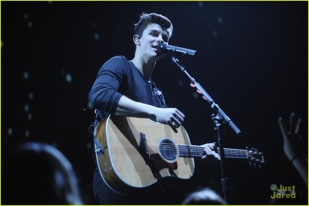 shawn mendes james tw radio city tour stop pics 05