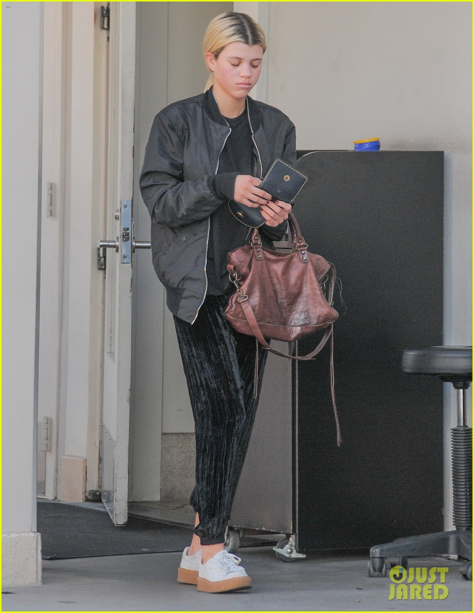 Sofia Richie Spends Her Weekend at the Pool! | Photo 942001 - Photo