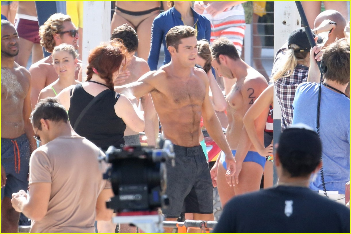 zac efron pull up contest baywatch 25