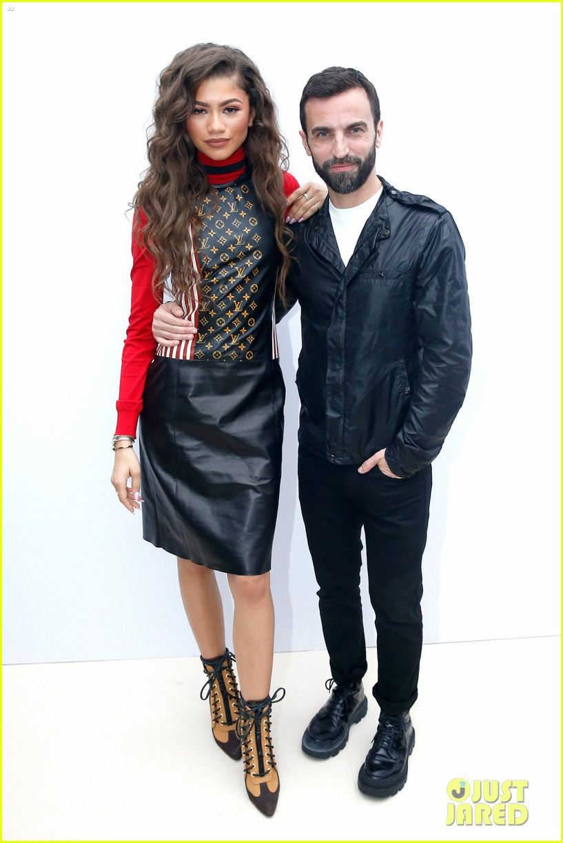 zendaya sophie turner louis vouitton 2016 paris fashion week 03