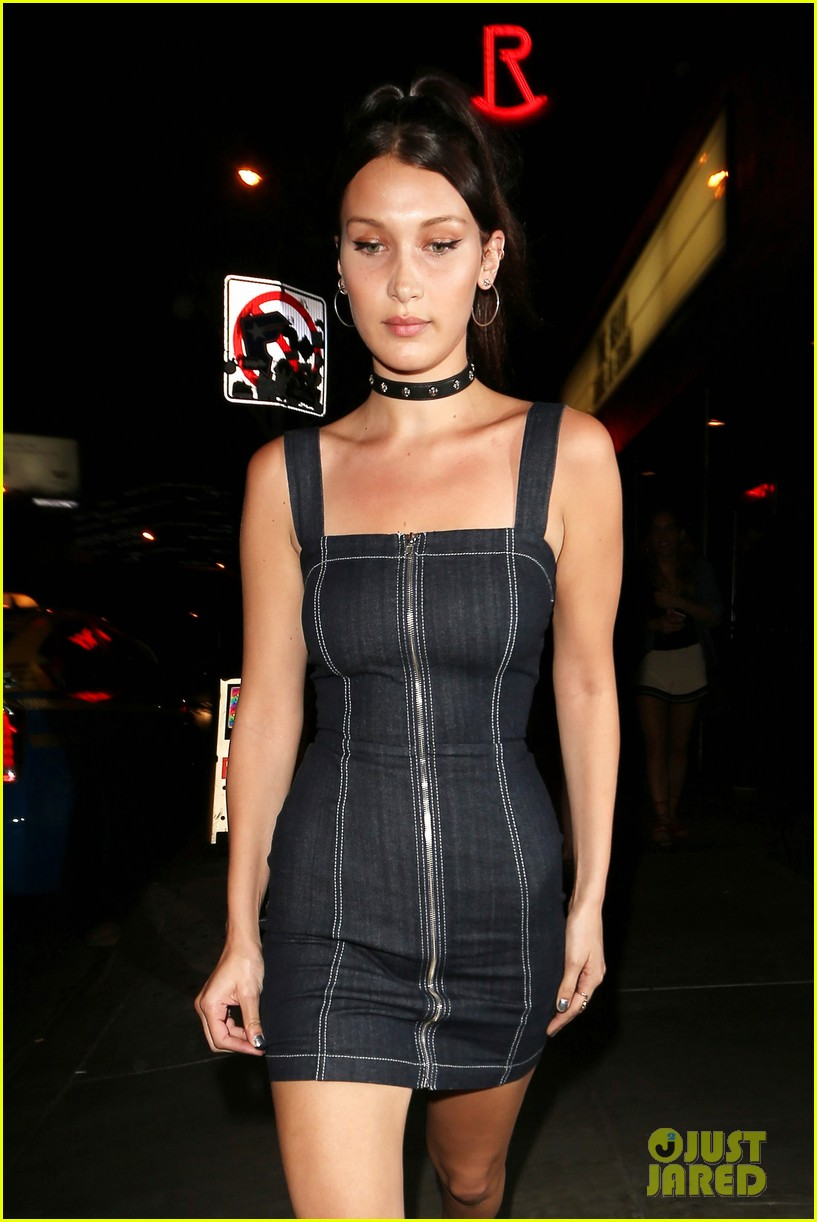 bella hadid supports bff jessie jo stark at the roxy 02