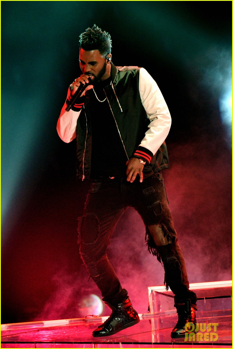 jason derulo performs iheartradio music awards 10
