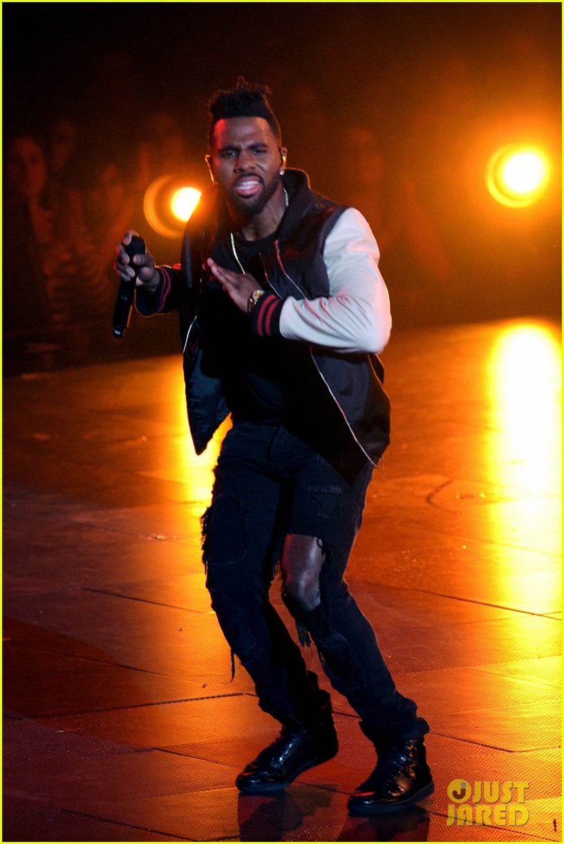 jason derulo performs iheartradio music awards 11