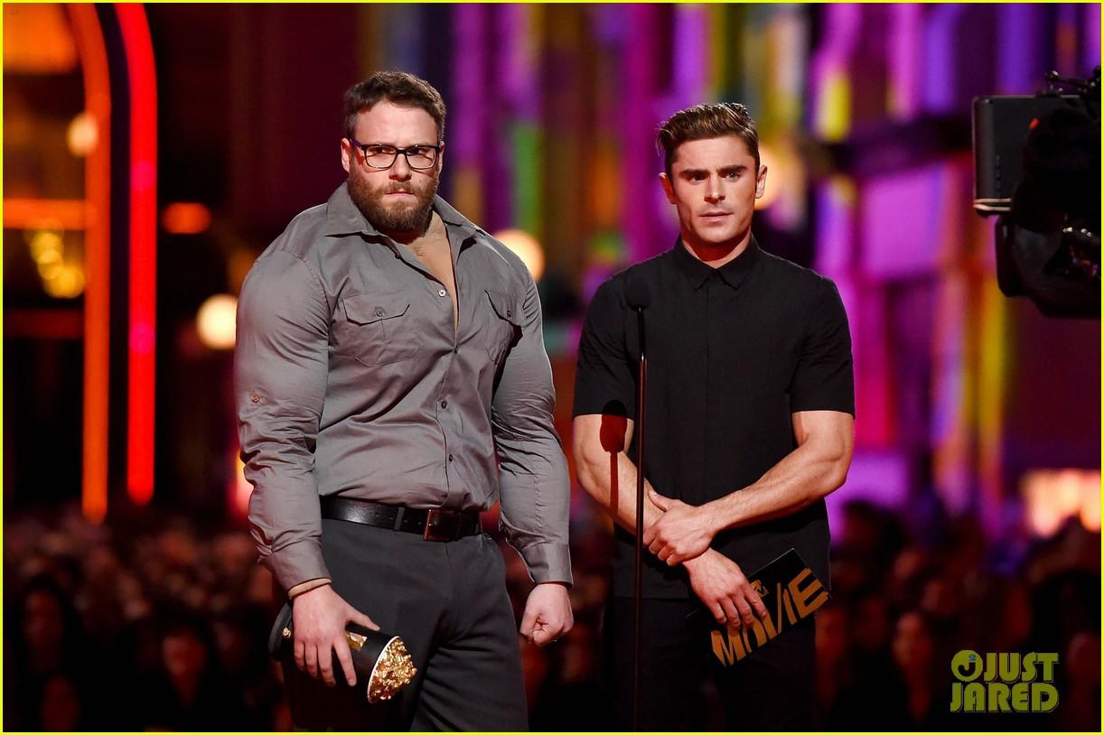 zac efron apologizes seth rogen mtv movie awards 2016 05