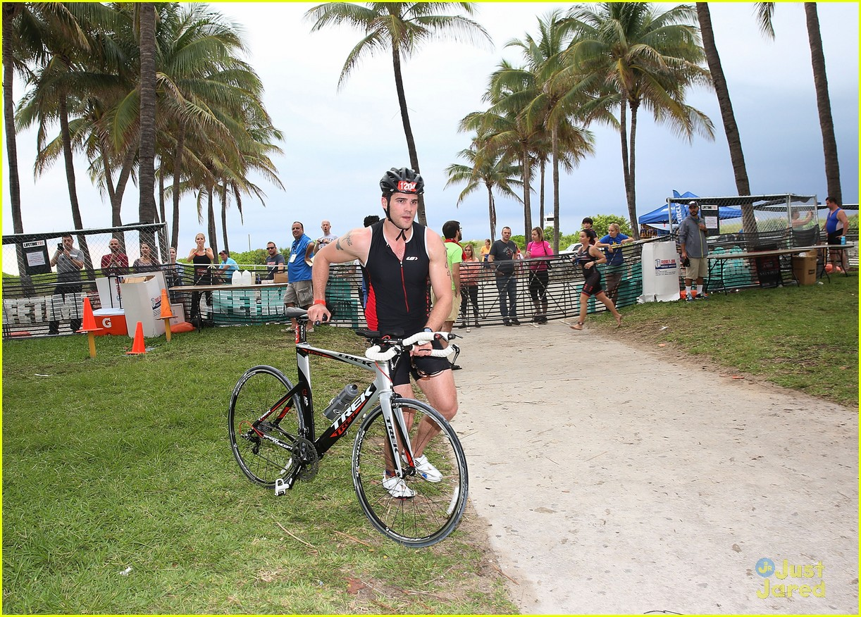 claire holt steven r mcqueen compete in triathlon together 13