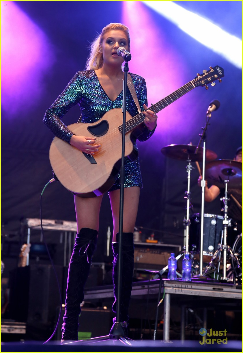 Kelsea Ballerini onstage during the 5th ACM Party for a