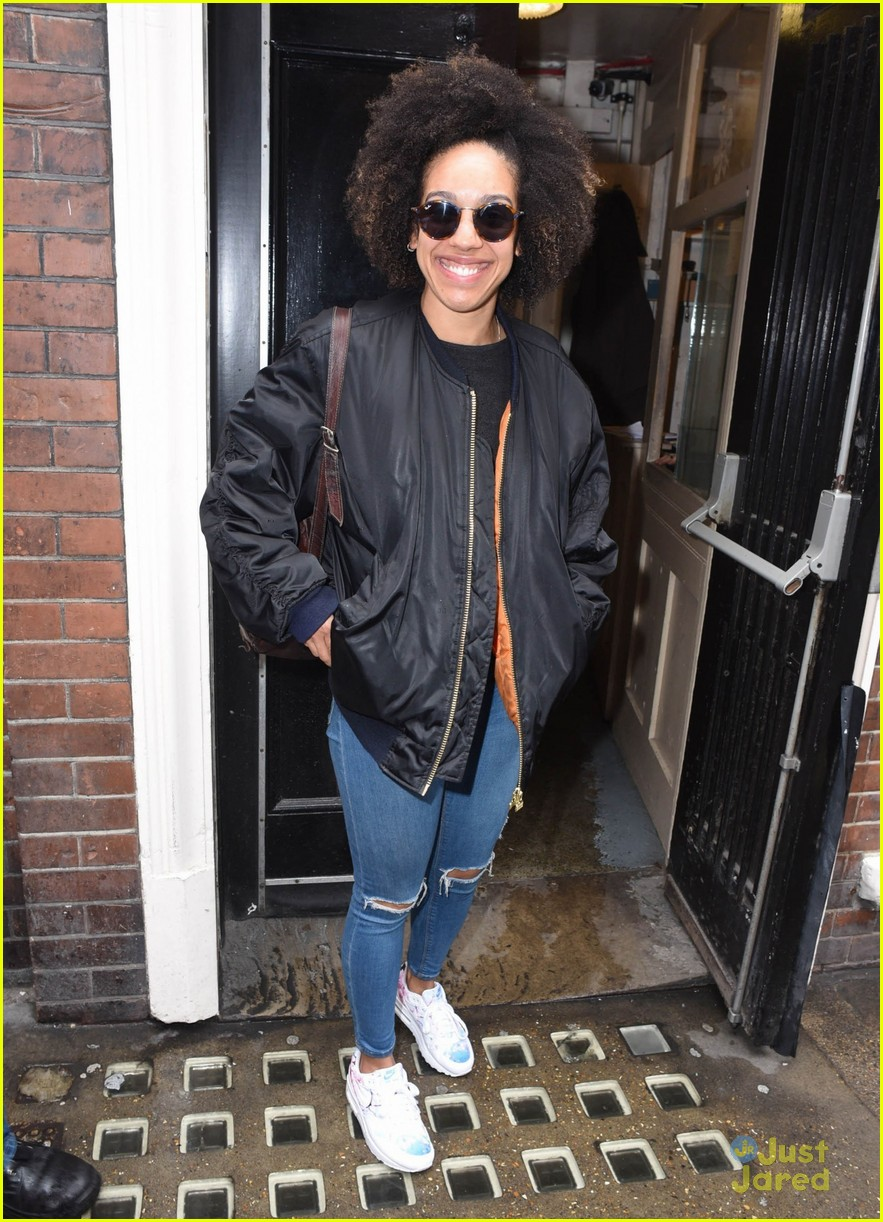 pearl mackie drwho casting fans theatre 10