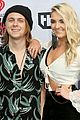r5 hit iheartradio music awards 01