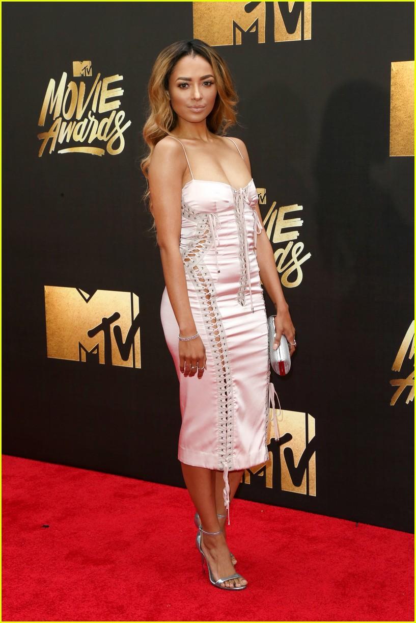 daisy ridley mtv movie awards 02