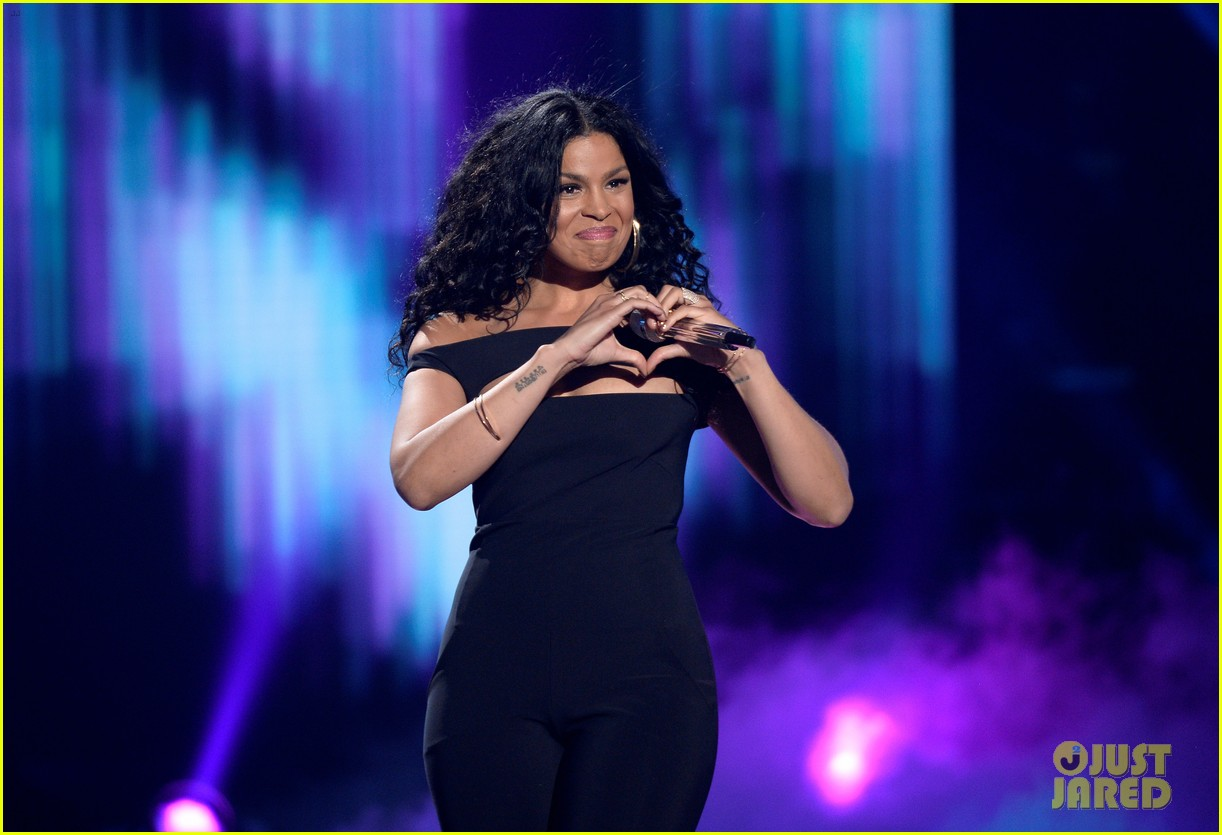 pia toscano jordin sparks american idol finale 09