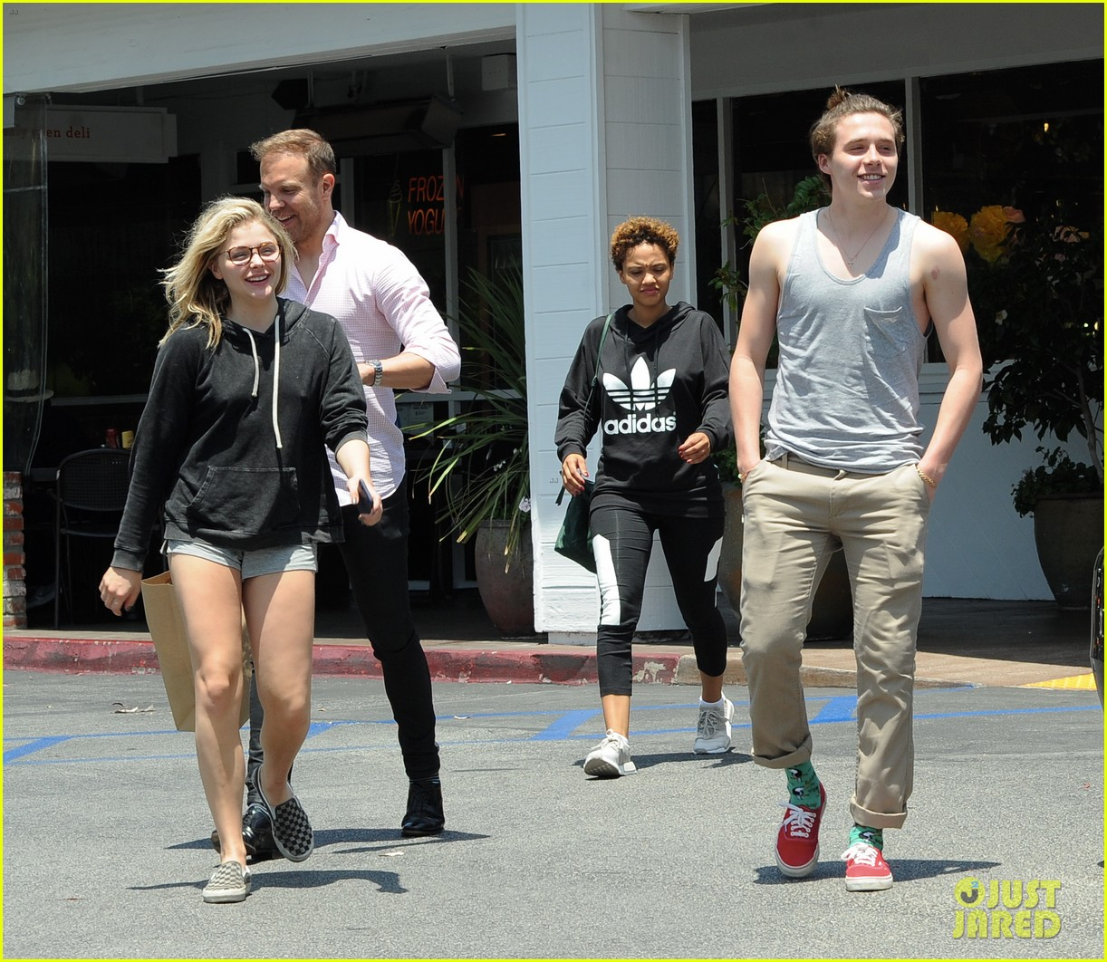 chloe moretz brooklyn beckham spend the day together in LA 06