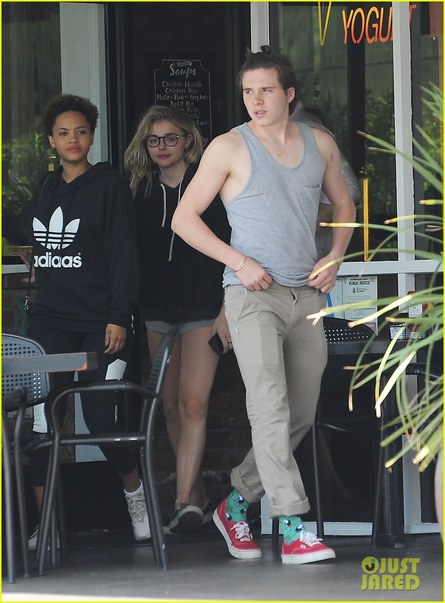 chloe moretz brooklyn beckham spend the day together in LA 13