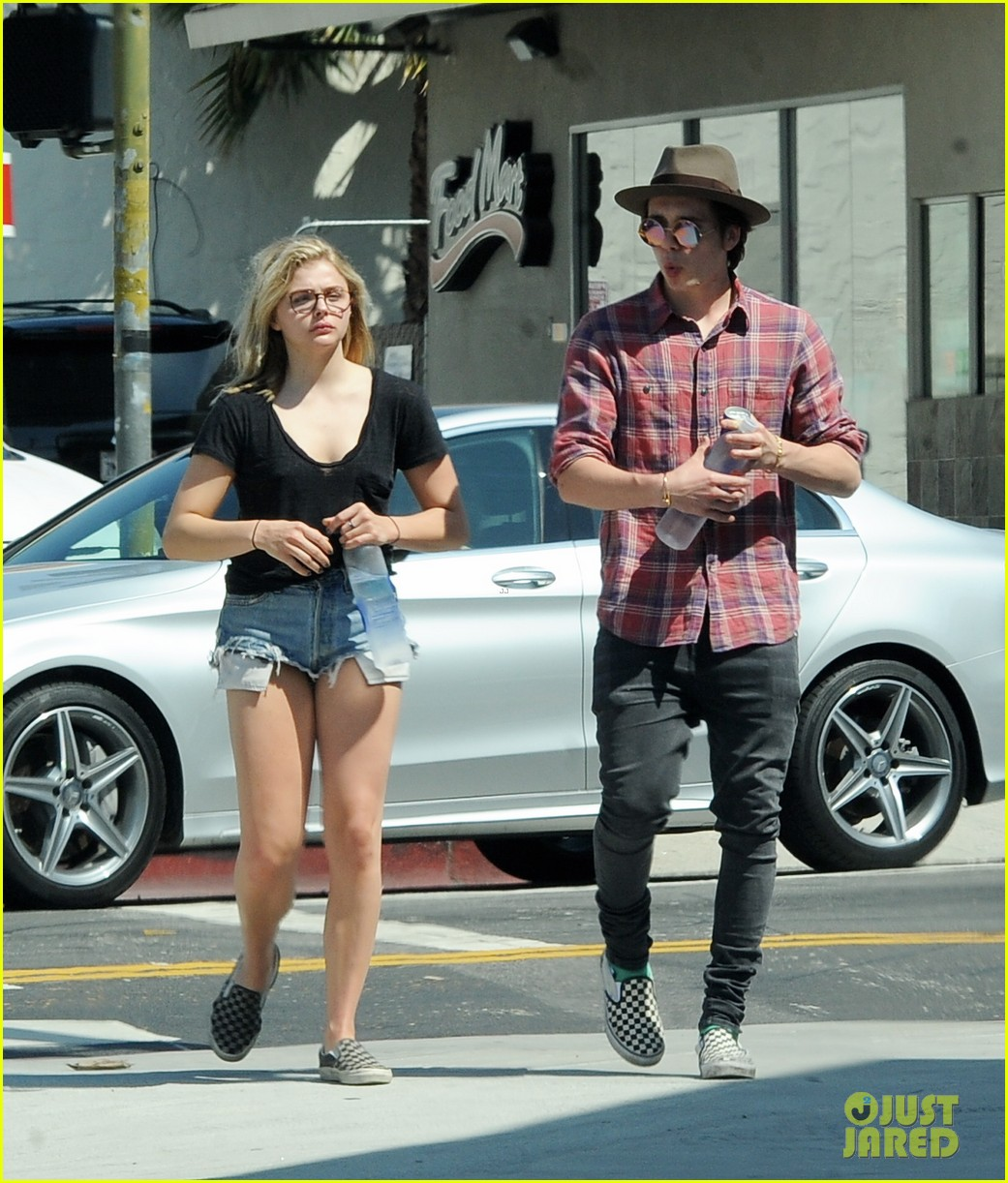 chloe moretz brooklyn beckham spend the day together in LA 23