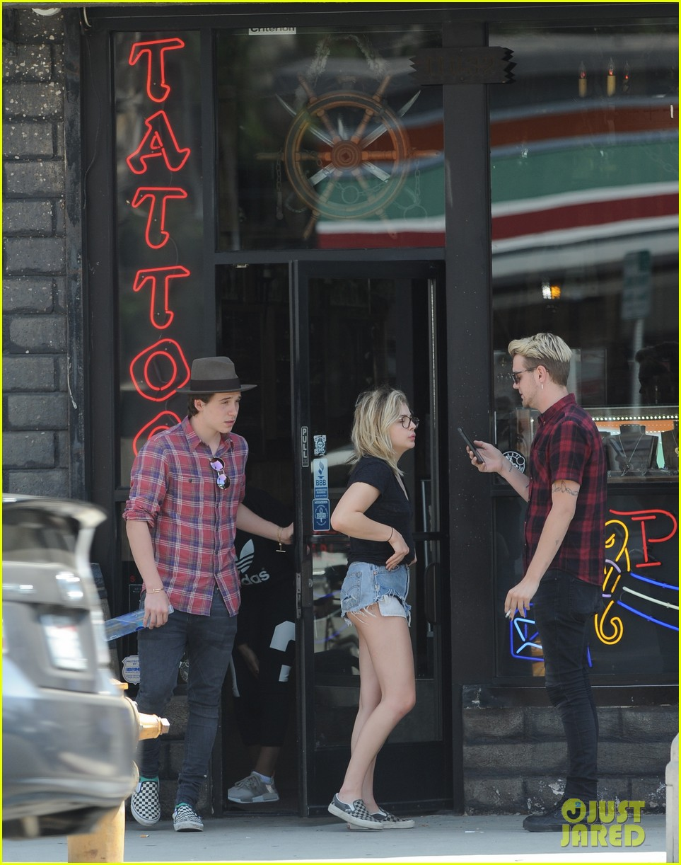 chloe moretz brooklyn beckham spend the day together in LA 29
