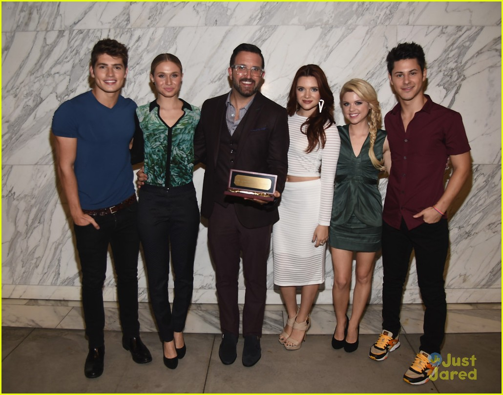 faking it creator cast say goodbye 05