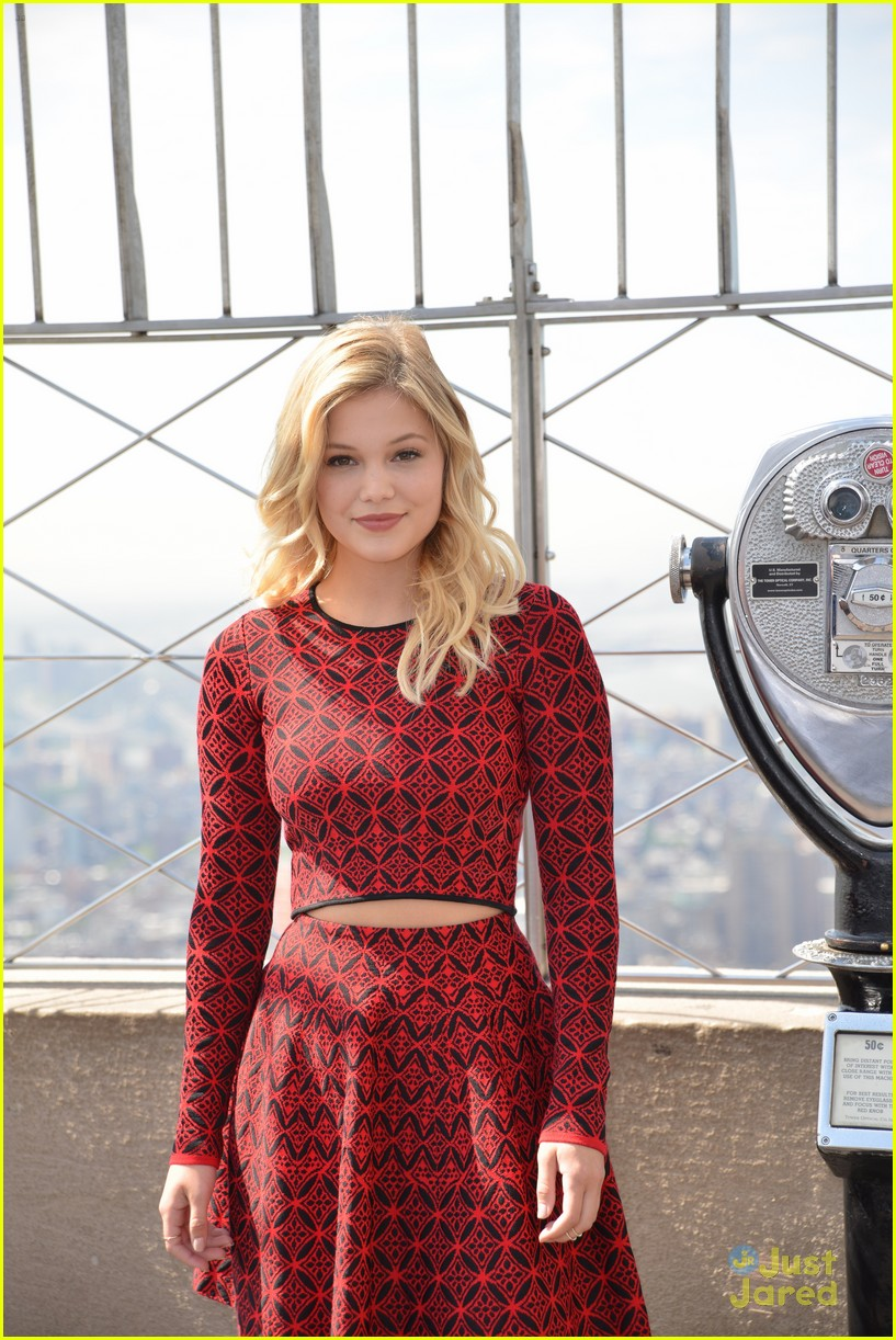 olivia holt empire state building stop 10