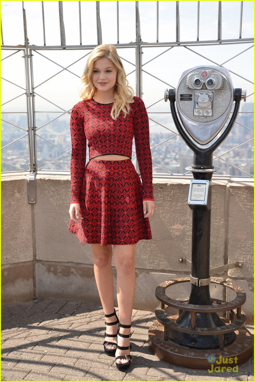 olivia holt empire state building stop 12