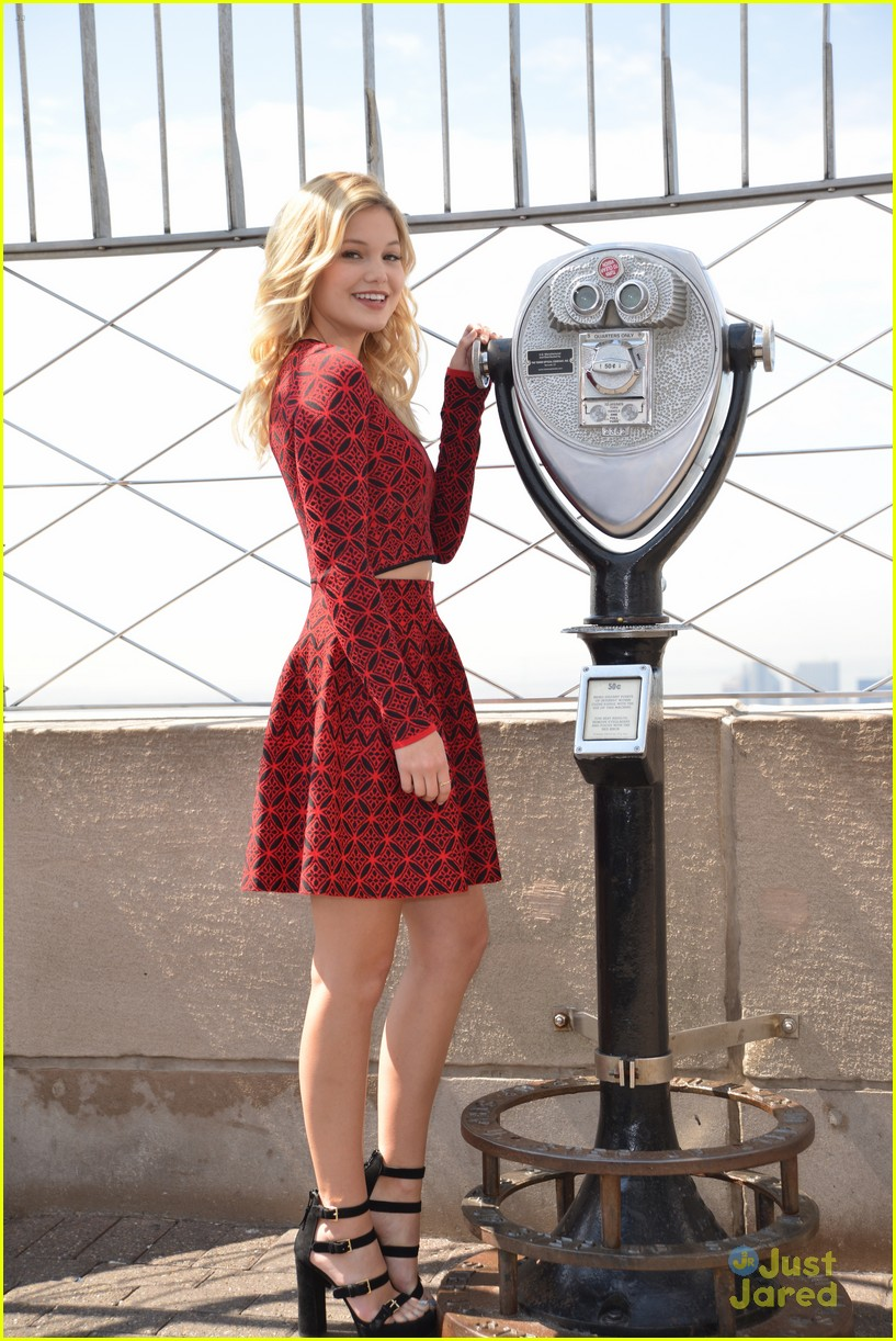 olivia holt empire state building stop 20