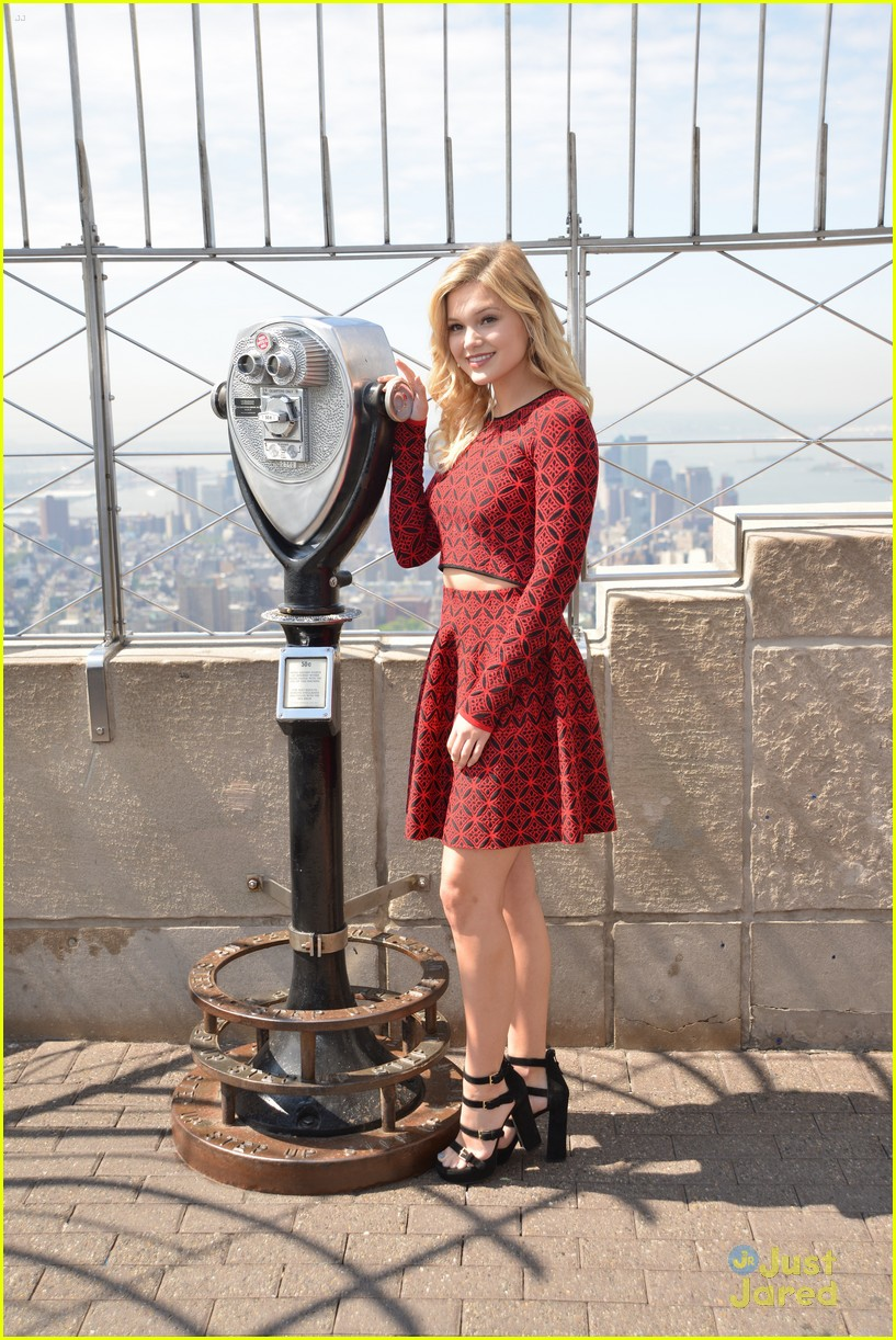 olivia holt empire state building stop 28