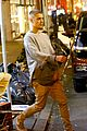 justin bieber hosts pop up shop in nyc 09