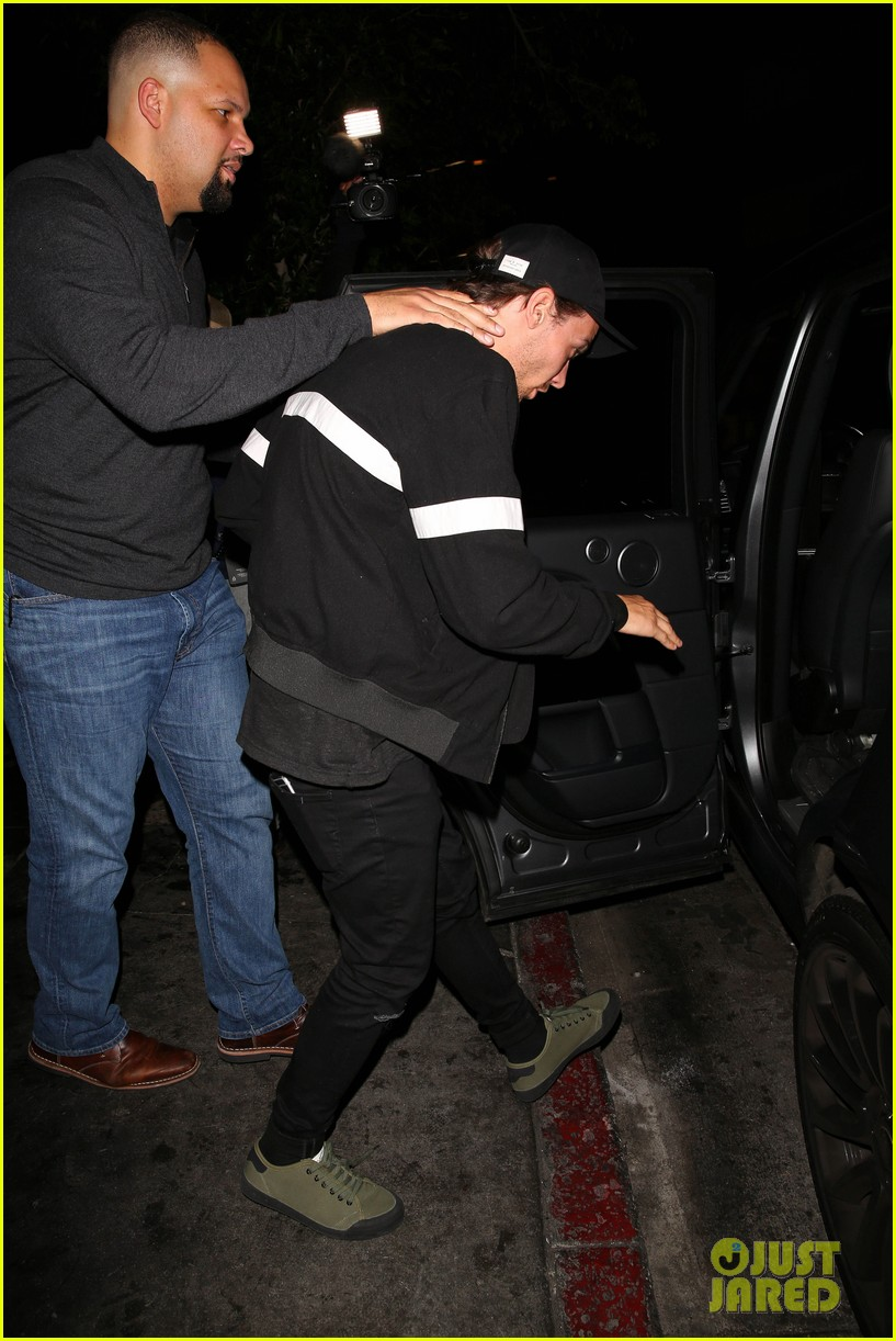 louis tomlinso has a night out at the nice guy 16