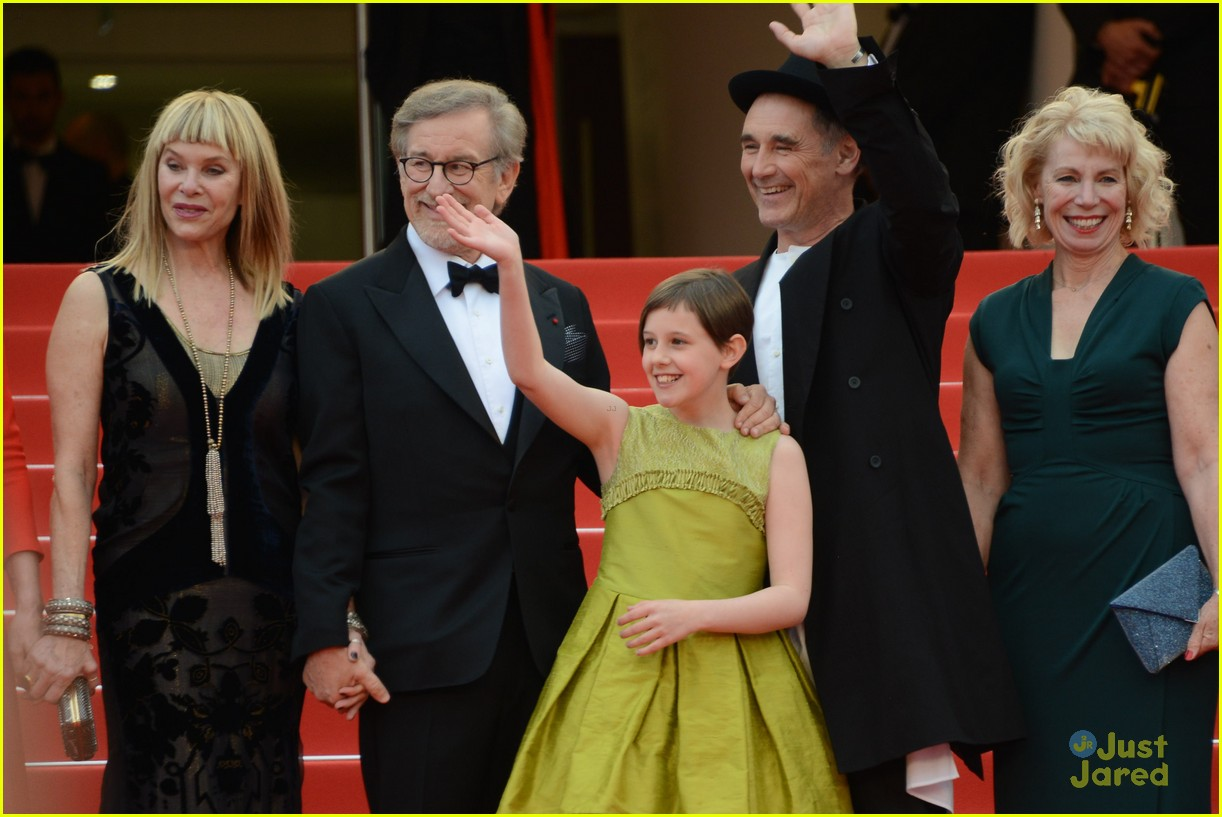 ruby barnhill bfg premiere photocall cannes 08