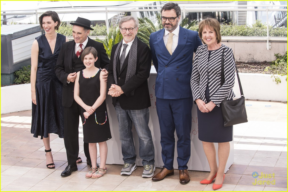 ruby barnhill bfg premiere photocall cannes 16
