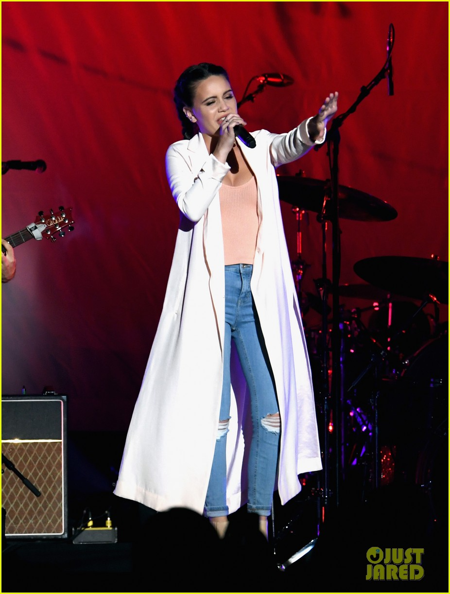 Selena Gomez Kicks Off Revival Tour In Vegas Set List Photo 966509 Bea Miller Dnce Selena Gomez Pictures Just Jared Jr