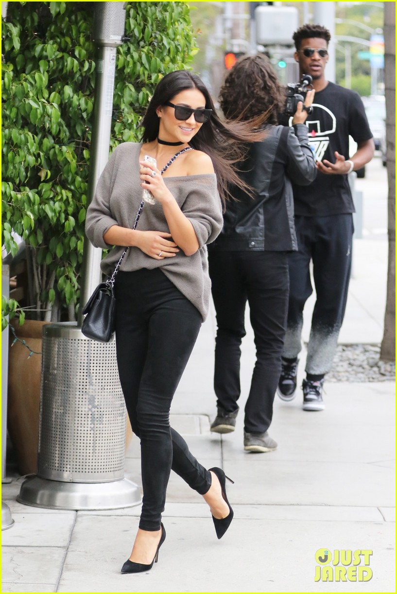 Shay Mitchell Enjoys Day Date With Nba Player Jimmy Butler Photo 967796 Jimmy Butler Shay Mitchell Pictures Just Jared Jr
