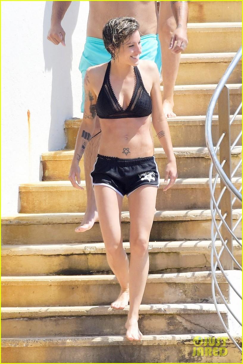 Does not kirsten stewart bikini that